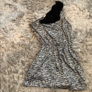 Dresses & Skirts - Black and white one shoulder dress- size small